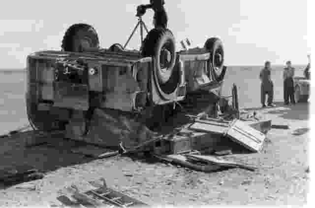 Mk_5_Tender_Crash_Perimeter_Track_El_Adam_Airfield_1960_1961_4