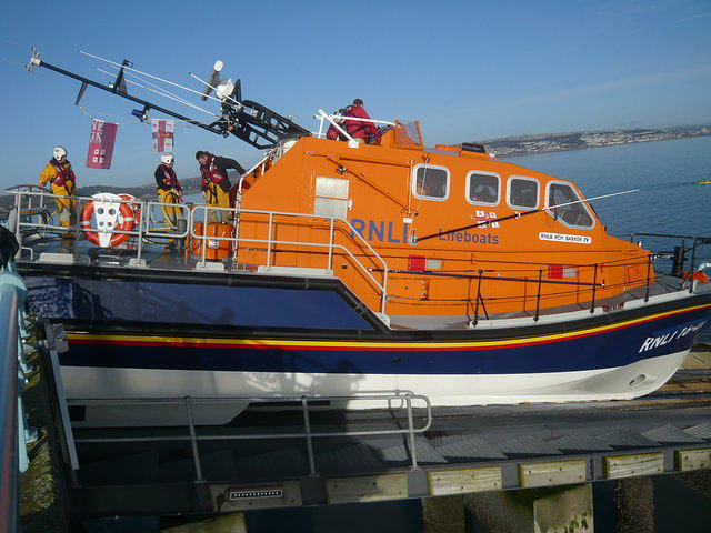 Recovering The Mumbles Lifeboat 4